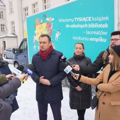 Tysiąc książek dla Szkoły Podstawowej w Łodzi
